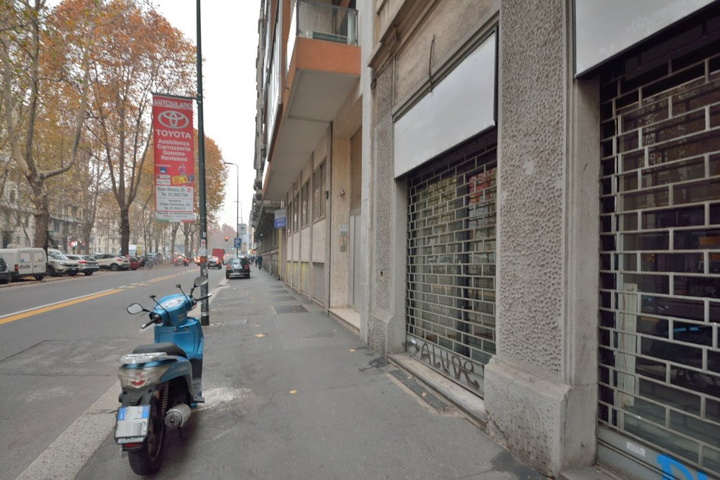 Affitto ufficio su strada viale Abruzzi Milano - immagine 1