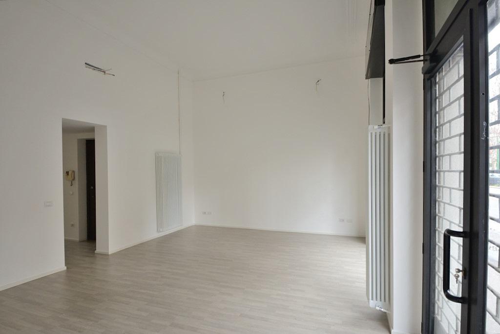 Affitto ufficio su strada viale Abruzzi Milano - immagine 14