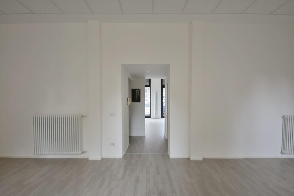 Affitto ufficio su strada viale Abruzzi Milano - immagine 12